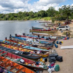 Atjoni, Suriname rivier